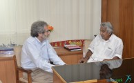 MIT Professor meets CM, discusses setting up of Fab labs