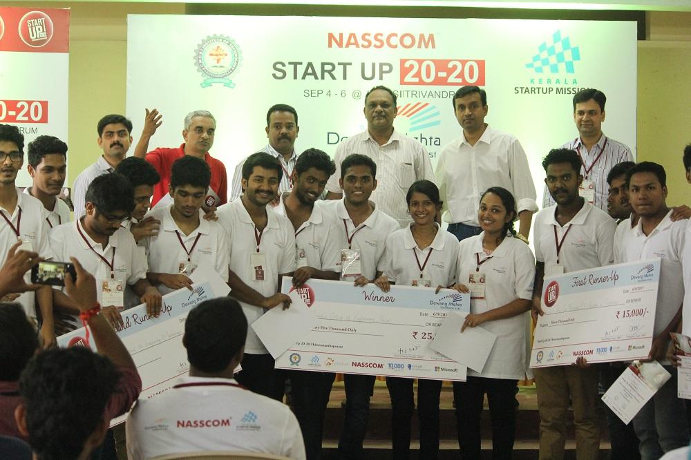 KSUM boot camp- winners with Industries & IT Principal Secretary P H Kurien